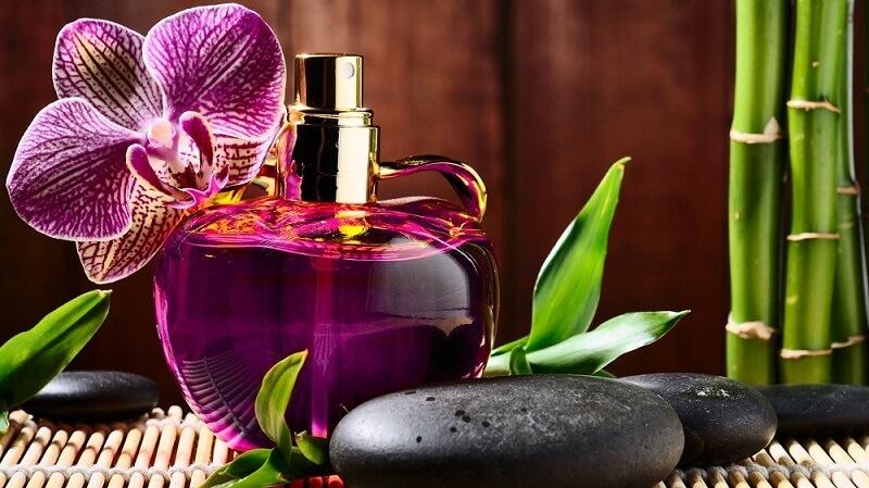عطر یا پرفیوم چیست؟
